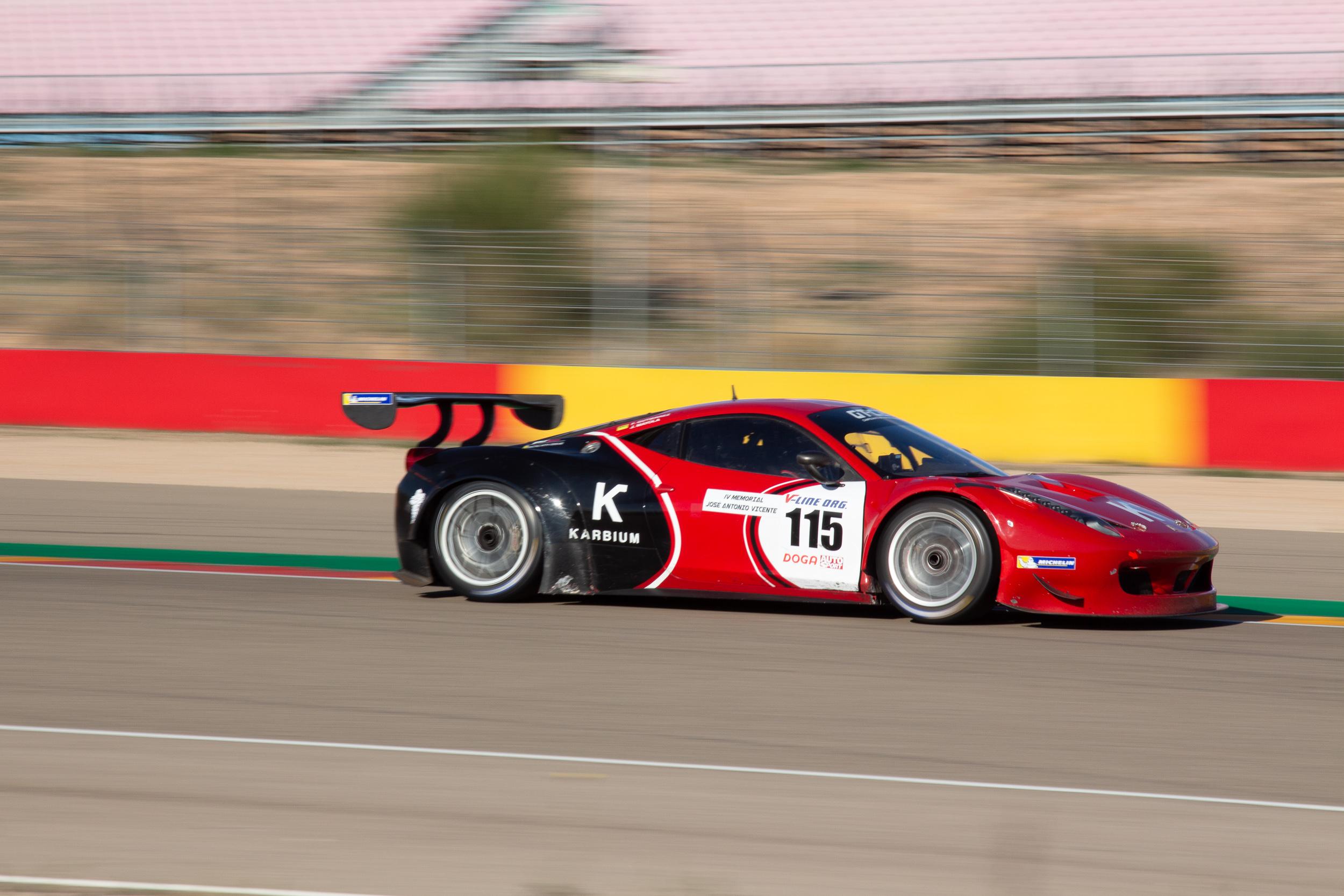 Ferrari 568 Italia de PCR Sport en los 500km de Alcañiz
